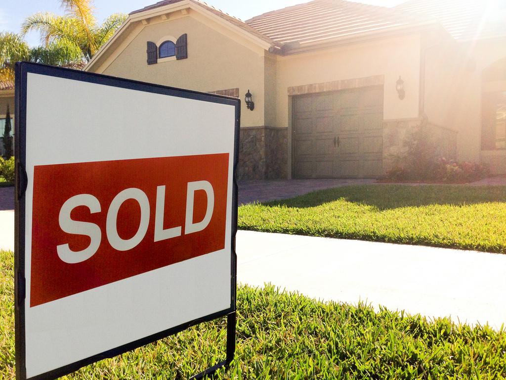 SOLD Real Estate Sign