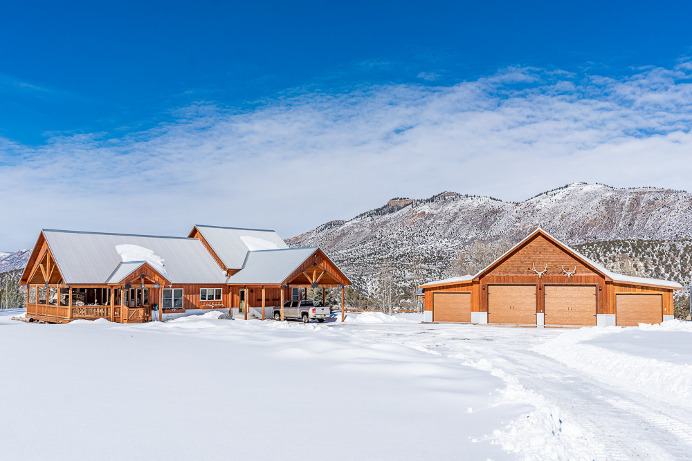 photo of a log home taken by professional real estate photographers in Colorado