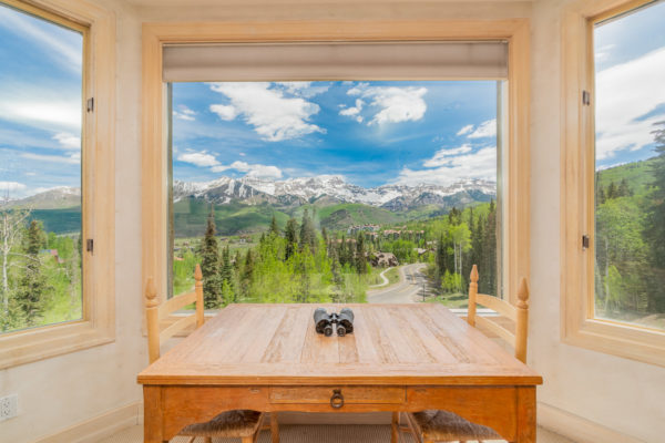 real estate photography of a condo in Mountain Village by BPetersonDesign